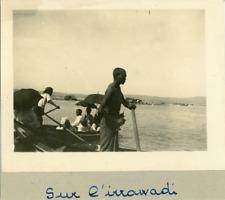 Birmanie, Sur l'Irrawady  Vintage silver print. Vintage Burma. Myanmar.