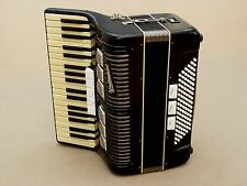 Very Nice German Accordion Weltmeister 96 bass Including Case