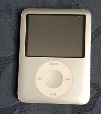 Apple iPod Nano 3G 8GB MP3 Player - Gray Color