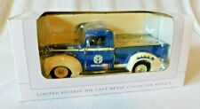 NOS New in Box NEW HOLLAND 1940 FORD Blue Truck 2002 CHRISTMAS tractor farm