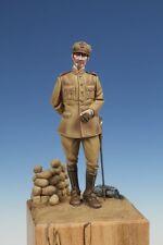 TB-35073 Italian Officer (WW I) 1/35 resin kit - The Bodi