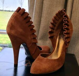 Carlos by Carlos Santana brown suade heels size 8