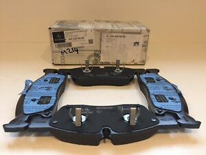 GENUINE MERCEDES BENZ W166 ML GL W292 GLE FRONT BRAKE PADS & SENSOR A0004209600