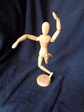 mannequin modele en bois peinture aquarelle peintre main