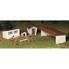 NIB O/S  SCALE  Plasticville Kit  Farm Outbuildings with Animals  By Bachmann
