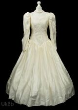 Embroidery Polyester Long Sleeve Wedding Dresses