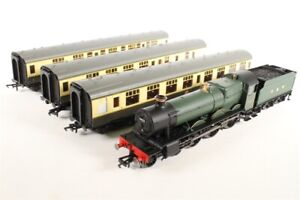 """HORNBY :- R3220 THE TYSELEY CONNECTION """" PITCHFORD HALL LOCO """" + 3 COACHES BNIB"""