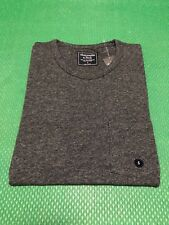 NWT Abercrombie & Fitch Men's Slim Muscle Fit Tee Round-Neck Pocket T-Shirt  M