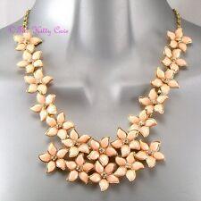 Pálido Coral Oro Y Cristal verano florece Flor Cluster Collar Collar de Declaración