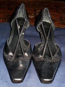 CLARKS K black pointed toe elegant 2.5 inch heel shoes 7