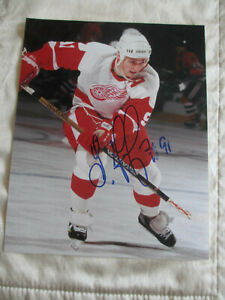 Sergei Fedorov Signed Autographed 8x10 Photo Detroit Red Wings HOF (Smudged)