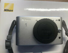 Nikon 1 J2 Systemkamera Gehäuse - Silber Neuwertig