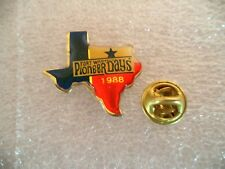 Fort Worth Texas Pioneer Days 1988 gold tone. Official sport pin, badge