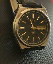 EXCELLENT VINTAGE 7009 SEIKO 5 AUTOMATIC BLACK FACE MENS WATCH