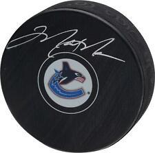 Mark Messier Vancouver Canucks Signed Throwback Logo Hockey Puck & HOF 2007 Insc