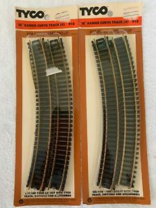 "Tyco #918 HO Scale Lot of 2 Packages of Brass 18"" Radius Curve Track (4 each)"