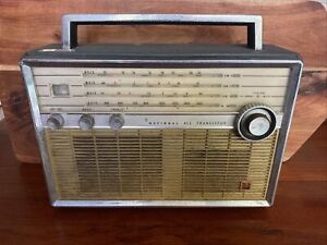 Vintage National All Transistor T-100 Radio FOR REPAIR