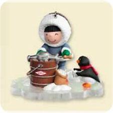 2007 Hallmark  FROSTY FRIENDS #28 Ornament MAKING ICE CREAM