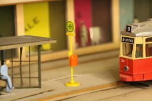 Stadt im Modell 9113 Straßenbahnhaltestellen Schilder 5 Stück H0 1:87
