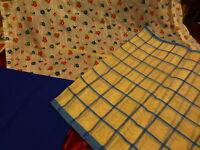 les tissus bleus assortis anciens ans 60-70 ,futurs rideaux ?? 3m,75 en tout !!!