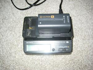 Genuine Original SONY AC-V700  AC Charger Infolithium L -Series  + Battery