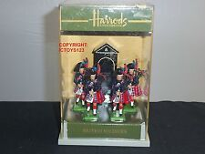 BRITAINS HARRODS CEREMONIAL SCOTS GUARD PIPERS SENTRY BOX TOY SOLDIER FIGURE SET