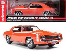 1969 Chevrolet Camaro SS Custom Hugger Orange 1:24 Auto World Ertl AW24004