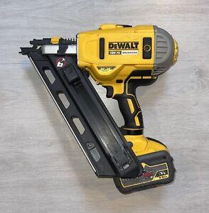 Dewalt DCN692 18V XR First Fix Brushless Nail Gun + 9ah Battery