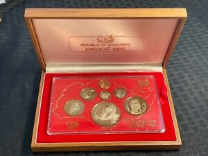 1980 Singapore 7 Coin Proof Set in Original Wooden Box Lot#A283 Silver!