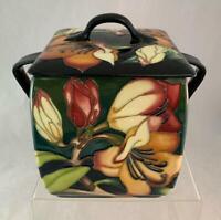 2005 Moorcroft PENCARROW Box Emma Bossons Signed OVER GLAZE 2 Handles & Lid NICE