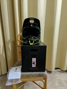 Fox V1 Tayzer Helmet Black/Flo XL DOT ECE MIPS 61-62 CM