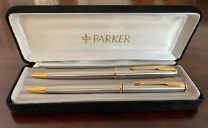 Beautiful Ladies and Gents Parker Pen Set