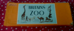Britains Zoo Set #11Z Lead Wild Animal Toy Soldier Set in Original Box