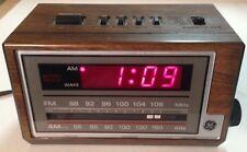 Vintage GE General Electric Alarm Clock Radio Model 7-4601A AM/FM