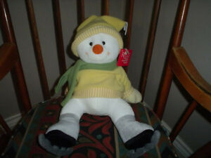 Russ Berrie Melton Snowman On Skates 14 Inch 33093 Tags