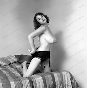 8x10 Print Sexy Model Pin Up Busty Brunette1969 Nudes Torpedos #1008974