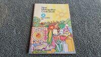 1973 Vintage New Metropolitan ( Life Insurance) Cookbook R1