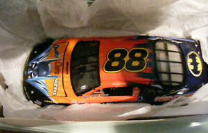 CAR NASCAR''''  BATMAN'''''' 1998FORD TAURUS  1.24  USA  NEW
