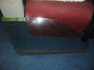 '90-94 Eclipse Talon -  PASSENGER SIDE DOOR WINDOW GLASS RH - 1G DSM