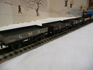 PECO lot of 5 private owners wagons.Mint condition