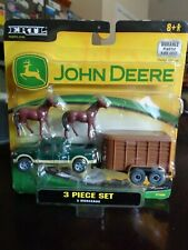 FORD PICKUP TRUCK WITH HORSE TRAILER / HORSES  ERTL 2007 DIECAST / PLASTIC