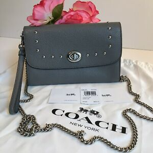 CHAIN CROSSBODY WITH LACQUER RIVETS (COACH F39175) HEATHER GREY/SILVER🌸