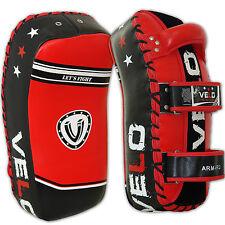 VELO CURVO PELLE Thai Kick Boxing Sciopero Braccio Pad MMA Fuoco Muay Punch Shield