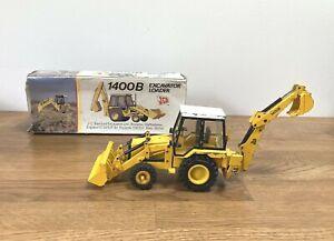 JCB 1400B Excavator loader in box   NGZ 2771