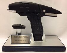 Star Trek Master Replicas Starfleet Assault Phaser 954/2000 Limited Edition 2008