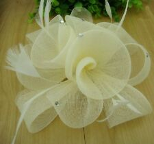 Fascinator épingle Fleur Plumes Strass Parure pour cheveux ivoire Pince à Broche