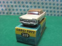 Vintage -  PLYMOUTH  SPORT  SUBURBARN  SW  -   Corgi Toys 219  - MIB