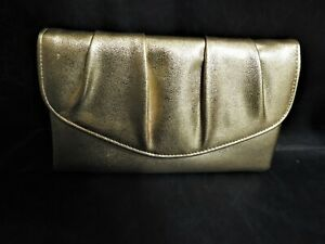 An Unbranded Women's Gold Special Occasion Evening Clutch