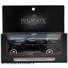 Voitures, camions et fourgons miniatures noirs Studebaker