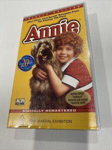 ANNIE ALBERT FINNEY VHS PAL VIDEO~ A RARE FIND Tribute 20th Anniversary Edition